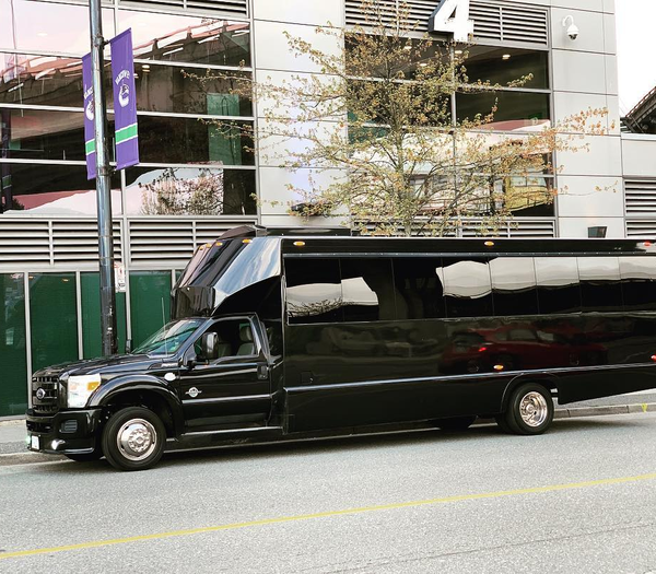 Reasons To Rent A Toronto Party Bus