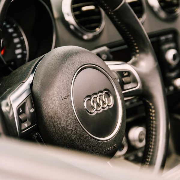 How to Identify Camshaft Tensioner Leaks in Your Audi